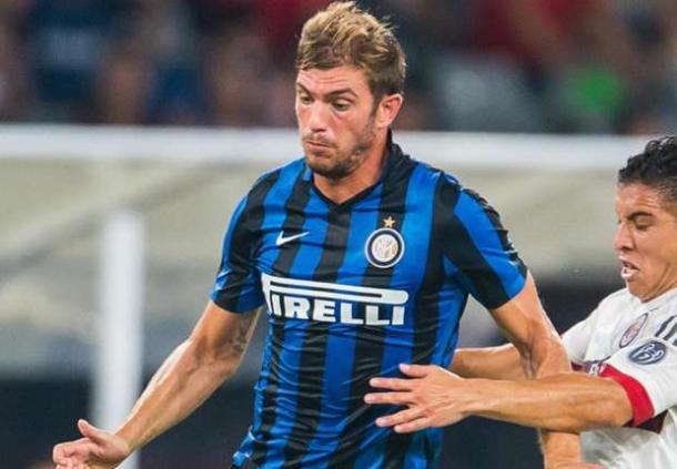 Sampdoria Mencoba Terus Dakati Davide Santon