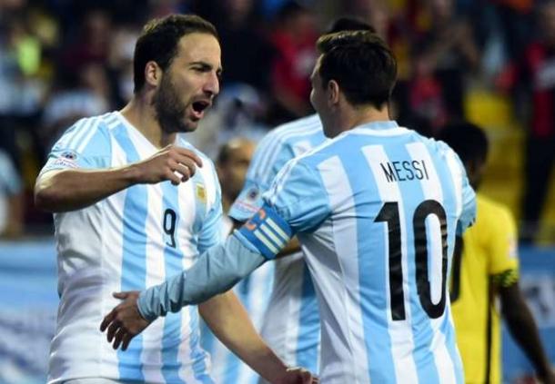 Hernan Crespo Tegaskan Jika Gonszalo Higuain Manusia, Sedang Lionel Messi Superman