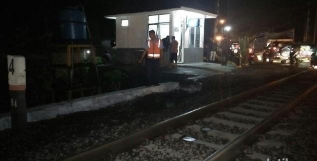 Saat Sedang Atur Lalu Lintas Seorang Polisi Tewas Tersambar KA Di Jombang