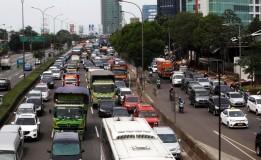 Kemacetan Terjadi di Tol Dalam Kota Jakarta Arah Semanggi